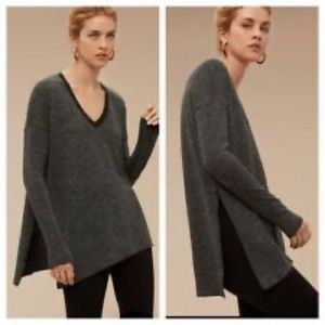 Aritzia - Wilfred Sweater. Size Xs